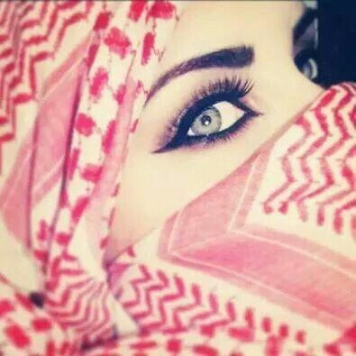 Image via We Heart It https://weheartit.com/entry/128346900/via/30615607 #arab #girl #makeup #عربي #فلسطينية