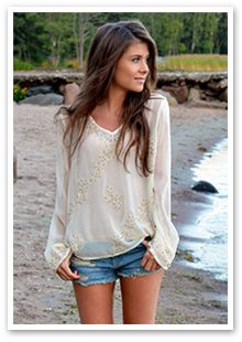 beach attire CLICK THIS PIN if you want to learn how you can EARN MONEY while surfing on Pinterest