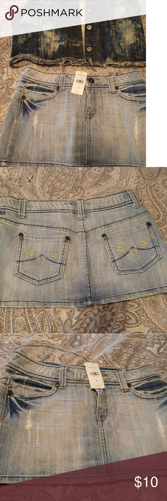 Jean  mini skirt Rave Max Jean skirt size 5 Levi's Bottoms Skirts