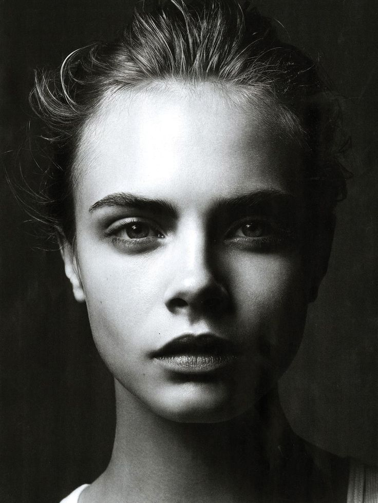 Cara Delevingne is so pretty, I want her eyebrows!