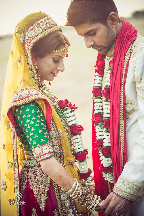 What to wear to an Indian Wedding - Secret Wedding Blog - a multicultural wedding blog.