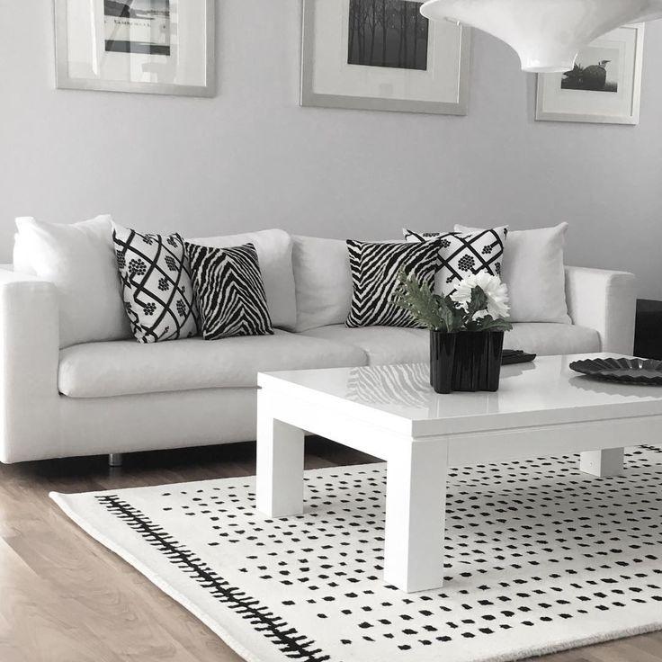 Kuviot tuovat mustavalkoiseen värimaailmaan mukavasti eloa. Toistamalla kuvioiden muotoja huonekaluissa ja somisteissa kokonaisuudesta entistä monipuolisempi.