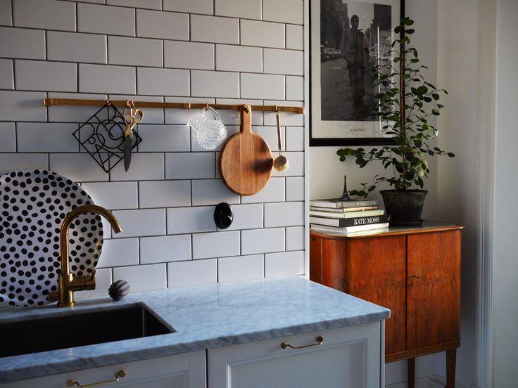 Hänga upp koppar vid köket