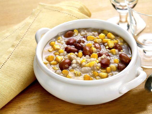 Papazoi: zuppa di fagioli, orzo e granoturco