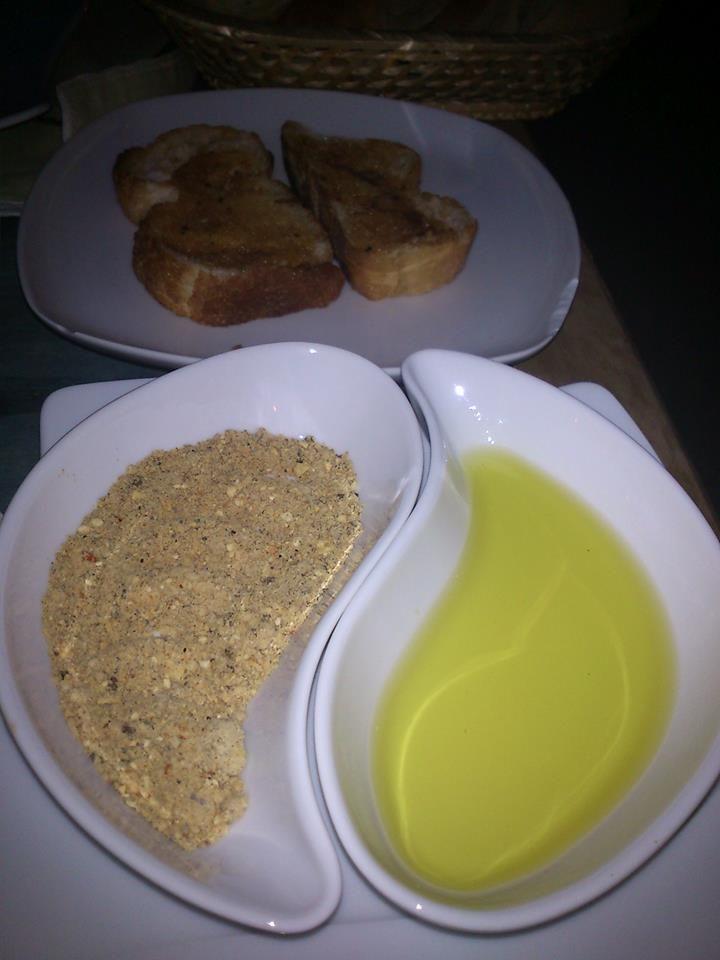 Pan con aceite y ras-el hanout en La Capadocia #DionisioPimiento #Food #Foodie