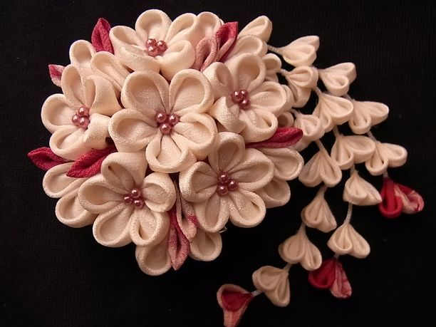 つまみ細工 白花