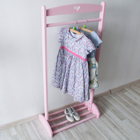Pink Outdoor hanger for little fashionistas