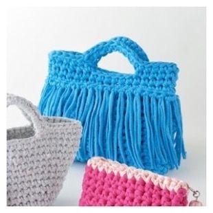 Hoooked zpagetti「フックドゥ ズパゲッティ」は世界のファッションファブリックから裁断して余っカットソー生地を一本の長い糸状したオランダ生まれのユニークな糸です。かぎ針サイズはジャンボ8~12ミリを使うので、ざくざく早く仕上がるのも魅力です。無料編み図を参考に素適な作品を作りましょう★