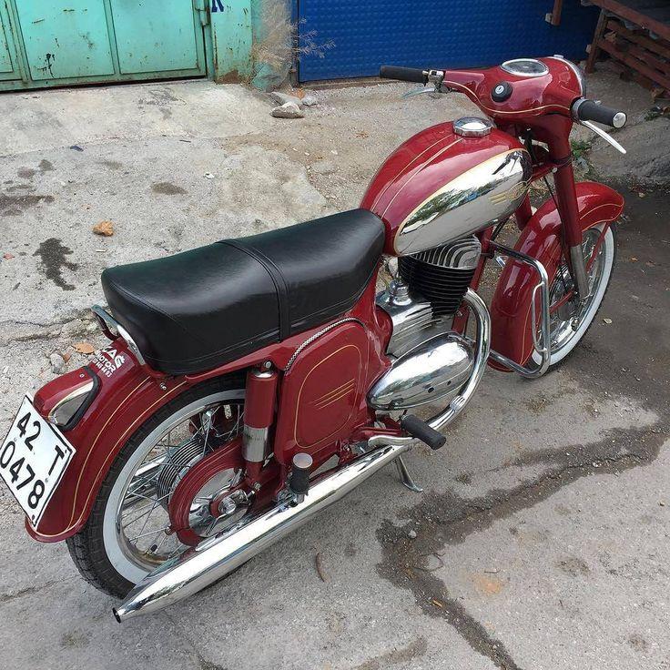 "129 Likes, 5 Comments - Jawa Motorcycles (@jawamotorcycles) on Instagram: ""JAWA 1967 250cc Sent by @e_sariii #jawa #jawamotorcycles.com #jawamotorcycles #jawayezdi…"""