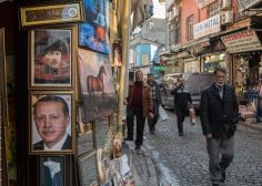 Τα «αγκάθια» Ερντογάν στην Τουρκία και οι προσδοκίες του από την επίσκεψη στην Ελλάδα