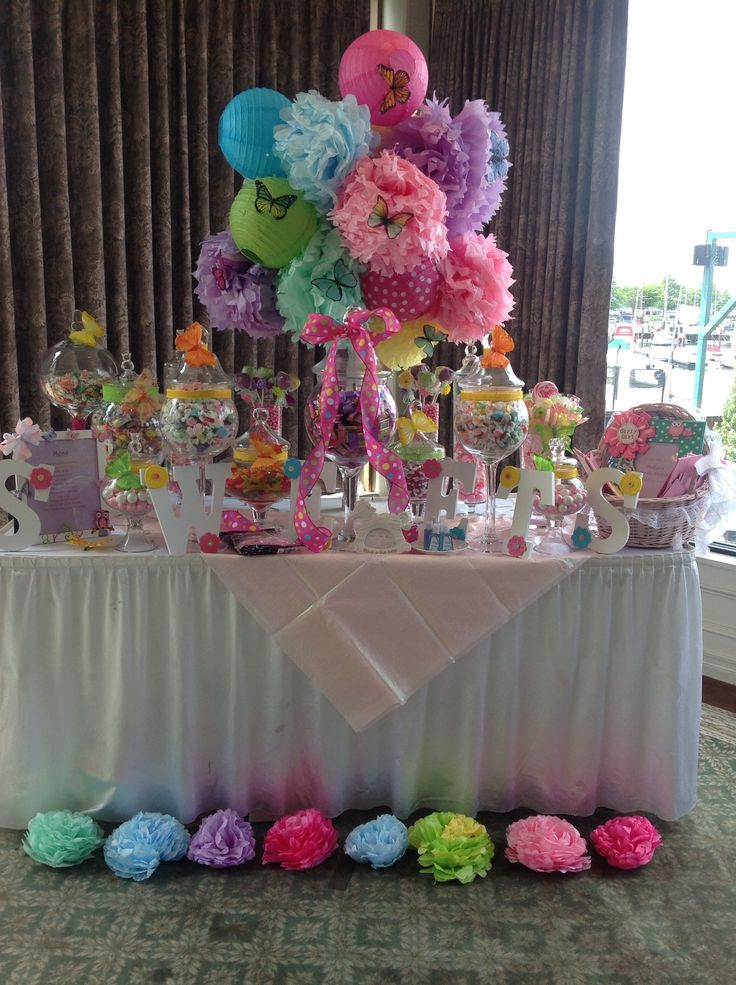 Whimsical owl themed baby shower candy station for Baby shower decoration centerpieces