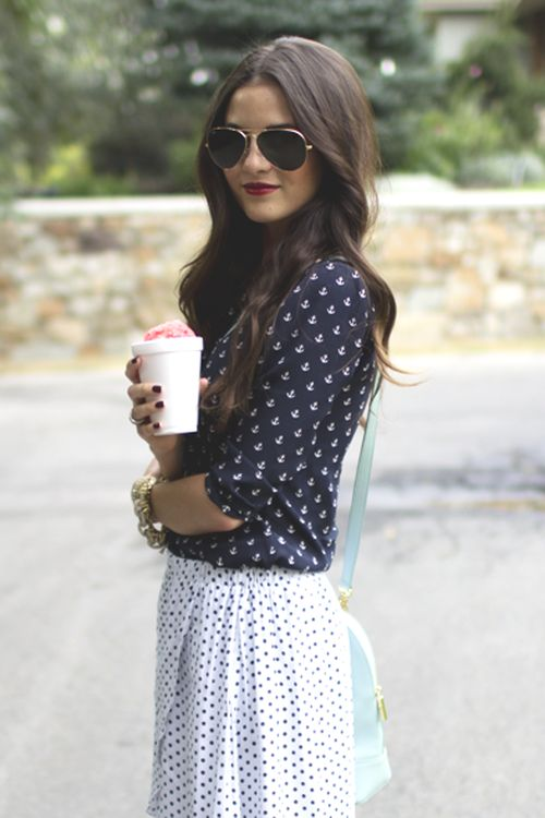 i don't know who you is but I'm in love with your fashion. Anchors, navy and white, aviators, brown wavy hair, red lips and nails and a smirk. Are you my long lost sister?!