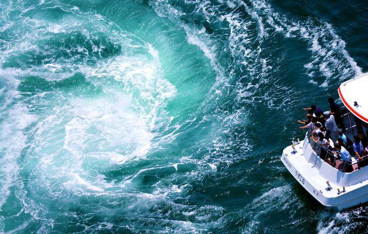 世界的にも珍しい最大級の渦!一度は見てみたい「鳴門の渦潮」の迫力