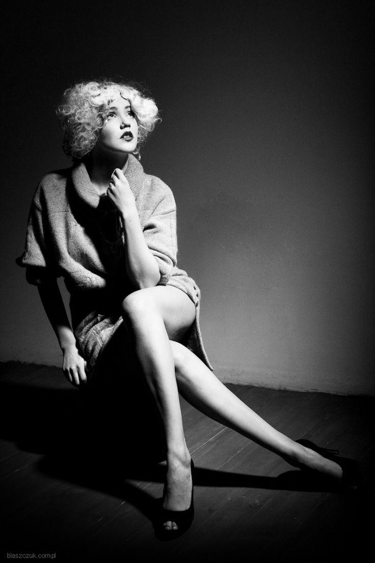 Lata 30-ste, czas legend kina, szyku, finezji i kobiecego piękna...