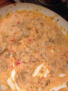 poivre, crême fraîche, champignon de Paris, tomate, oignon, sel, basilic, coulis de tomate