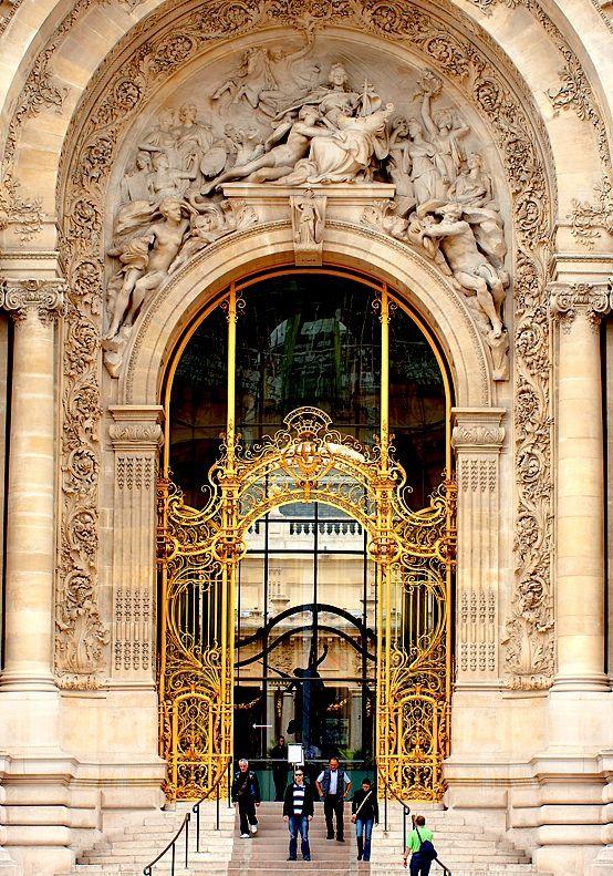 Petit Palais, Paris   What an entrance!!