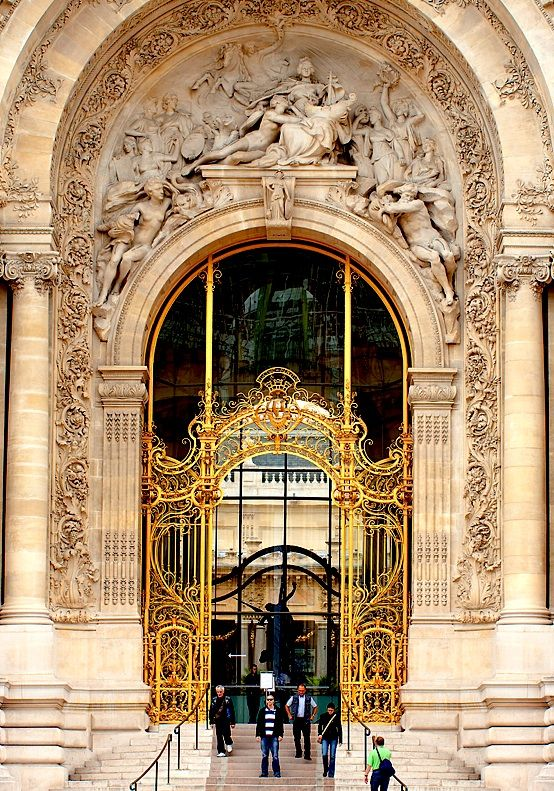 Grandeur of Petit Palais, Paris: Petite Palai Paris, Small Palace, The Small, Grand Entrance, Places, Gates, Greatness, Paris France Travel, Doorway Window