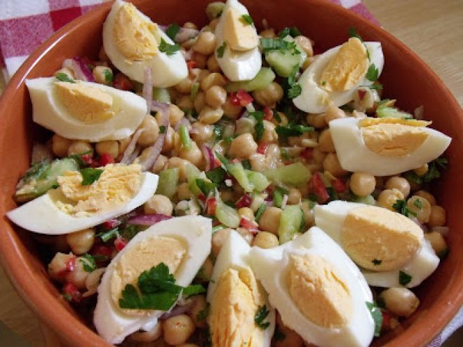 Salata de naut si ou(chickpea &egg salad), Rețetă de Alisons - Petitchef
