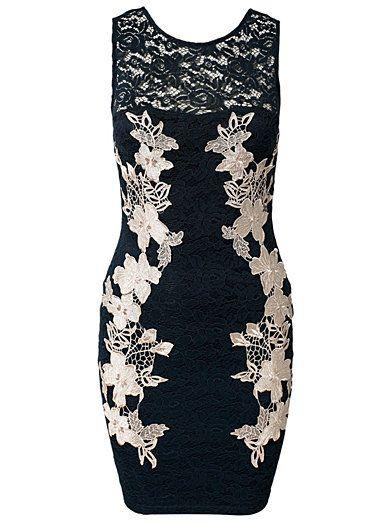 AX PARIS LACE CROCHET BODYCON CONTRAST DRESS fra Nelly. Om denne nettbutikken: http://nettbutikknytt.no/nelly-com/