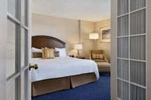 Jacuzzi Suite - Coast Plaza Hotel and Conference Centre Calgary