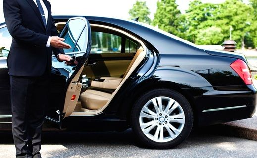 Reasons To Hire Private Car Service For A Detailed City Tour In