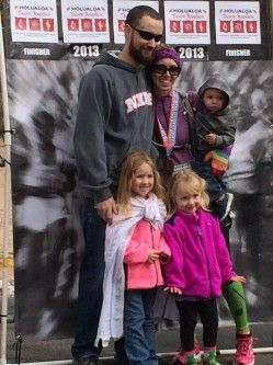 Fit Family Feature #16 (Emily) - Country Fit Family Fit Family Feature #16 Interview with Emily, mother of 3 who started running 6 weeks after the birth of her third child and ran a FULL MARATHON by the end of the year! #runchat #fitfamily #fitness #exercise #running