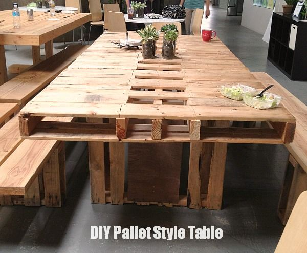 Tons of inspiring ideas with free pallets. Pallet Style Table @beautyandbedlam.