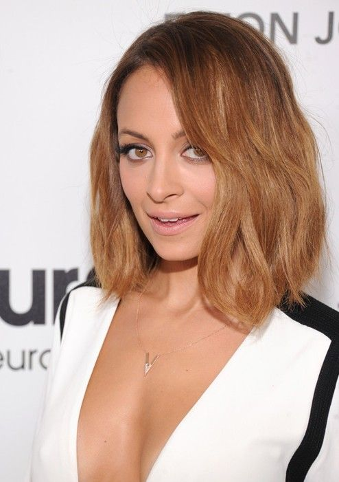 Chic longitud media Peinados: Nicole Richie Cabello //  #cabello #Chic #Longitud #media #Nicole #Peinados #Richie