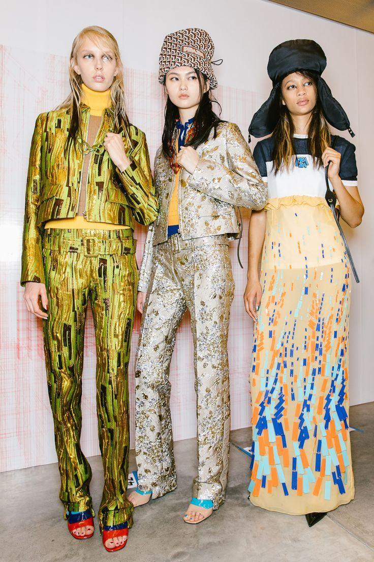 480618c3d848 Pin by TALIA on RUNWAY - Women's fashion in 2019 | Fashion, Prada, Backstage
