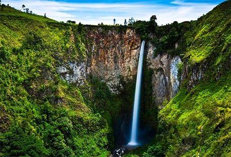 Air Terjun Sigura-gura Sumatera Utara