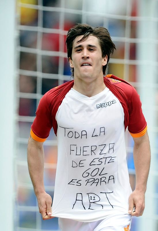 "17' st: GOL! BOJAN! Roma-Novara 4-1 (17' Caracciolo, 25' Marquinho, 34' Osvaldo, 10' st Simplicio, 17' st Bojan) #asroma    ""All the strength of this goal is for Abi (Eric Abidal)"" @BoKrkic"