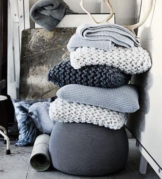 Wool pillows.: Diy Ideas, Decor, Colors, Knits Pillows, Interiors, Cushions, Grey, Knits Blankets, Chunky Knits