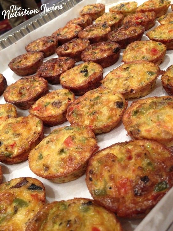 There's nothing like a relaxing brunch on the weekend!! If you're looking for a delish, easy and healthy recipe to serve up, you must give these bite size Quinoa Quiches a whirl. These quiches arefull of protein and low cal- just 20 calories per quiche! They are easy and FUN to make with the family …