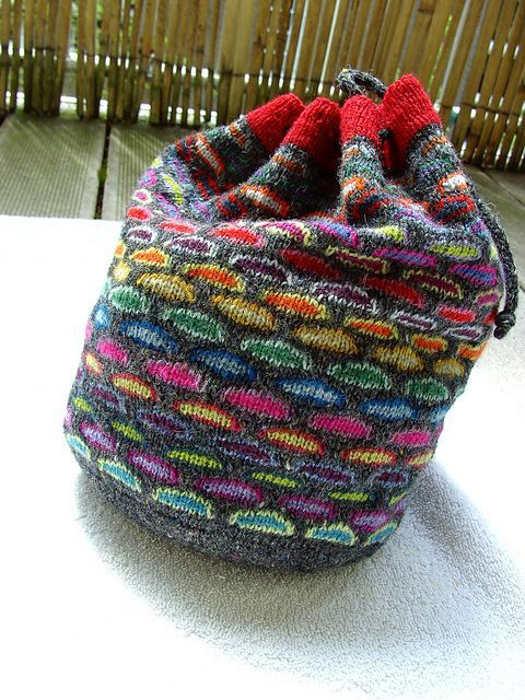 Bag Knitting Patterns : 180 best images about Purse Knitting Patterns on Pinterest Purse patterns, ...