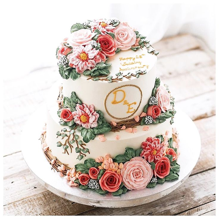 ��ハナプラかわいいウエディングアイテム�� 海外のウエディングケーキが可愛い過ぎる〜������✨ ケーキが芸術的すぎて切って食べれません�������� スクールもやってるそうなので日本でもやってほしいなぁ���� * 今回ご紹介した @ivenoven さんのウエディングケーキを【ハナプラかわいい】に追加しました��✨ @ivenoven さんに英語でメッセージを送ったら「紹介していいよ〜」って連絡ありました�� Thank you ivenoven �� * #ウエディングケーキ ……………………………………………………………………… ��かわいいアイテムをお持ちの皆様へ�� * ハナプラでは可愛いウエディングアイテムを紹介しています✨ 結婚式の素敵なアイテムをお持ちの方はご応募ください��♀️�� * <応募の流れ> ①ハナプラのインスタ @hana.pla をフォロー�� ②【#ハナプラかわいい】タグをつけて投稿 * これで応募は完了です���� ハナプラが写真を見つけてご紹介いたします�������� ご紹介したアカウントは【ハナプラかわいい】として…