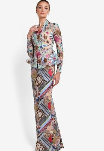 Melha Kebaya Nyonya from Rizalman for Zalora in multi_1
