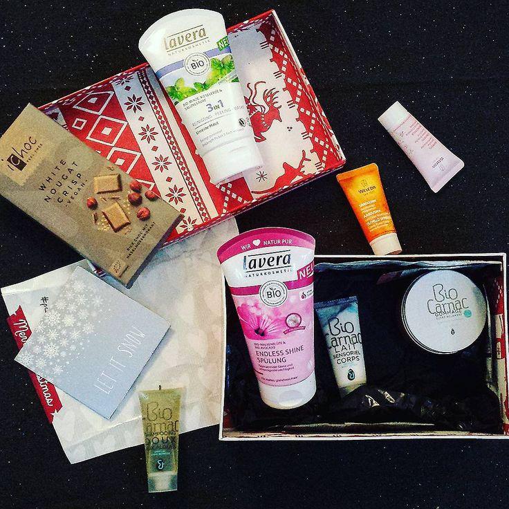 «Trop #chanceuse d'avoir reçu cette box #bio ! J'adore tous ces produits #bonpourmoncorps #bonpourlaplanète  #ichoc #biocarnac #weleda #lavera #merci…»