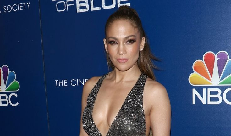 Jennifer Lopez Kicks Off Season 2 of Her NBC Series Shades of Blue https://fashionweekdaily.com/jennifer-lopez-kicks-off-season-2-of-her-nbc-series-shades-of-blue/