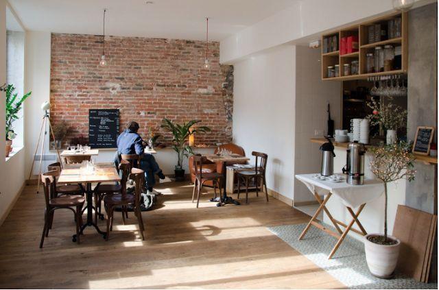Deco mur brique salon tendance qui donne cachet et for Cuisine qui donne sur le salon