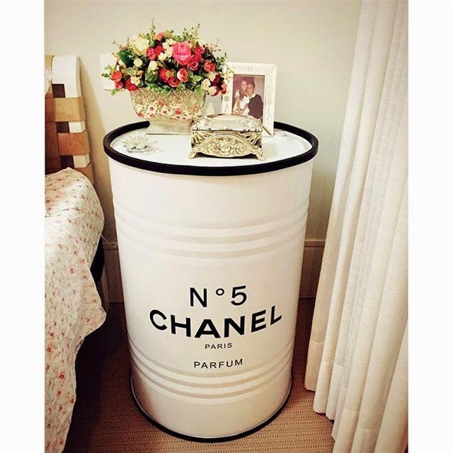 Neste outro caso, a referência de elegância que a marca Chanel empresta a este ambiente é incontestável no quesito luxo fashion.