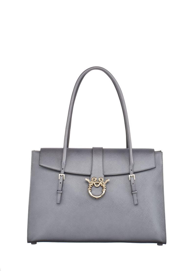 "MAGRÌ ""SATCHEL"" shown in Saffiano Leather  #magri_handbags #magri #craftedinflorence #italianstyle #TimelessElegance #Sophisticated #MadeInItaly #italianCraftmanship #ItalianGlamour #luxuryHandbags #Handbags #powerbags #magribag @magriofficial #gentlemanclub #etabetapr #magripress www.magri.com"
