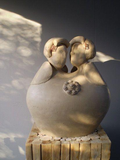 Zeeuws genieten: beeld van 2 Zeeuwse vrouwen die genieten in de zon, Liestbeth Mullemeister