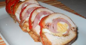 Csirkemell tekercs, fenséges töltelékkel! Nagyon egyszerű és nagyon finom!