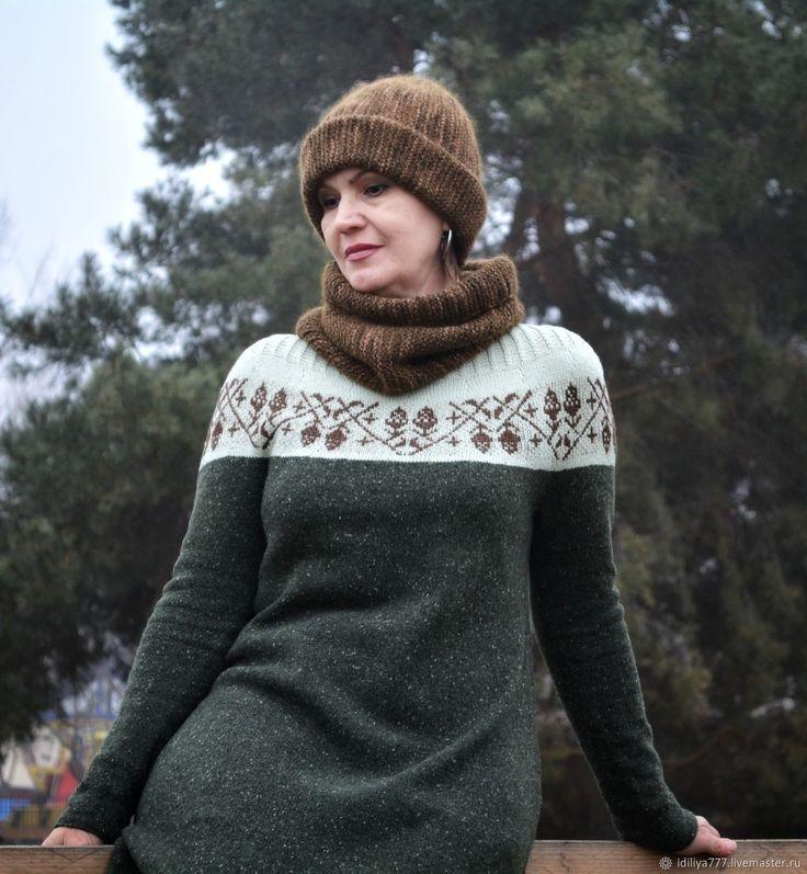 Вязаное твидовое платье кокон Магические желуди – купить в интернет-магазине на Ярмарке Мастеров с доставкой - F5IGFRU #вязание #knitting #knitlove #tvid #вязаноеплатье #платьекокон #орнамент #жаккард  #платьевязаное #тёплоеплатье ##твидовоепоатье #зелёное #уютное #стильноеплатье #вязанаямода #стиль #модноевязание #хобби