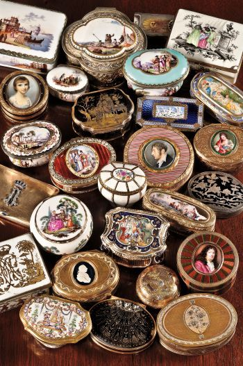 A collection of English, French, and German snuff and patch boxes.  (Source: skinnerinc.com)