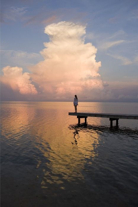 so sereneClouds, Water, Favorite Places, Alone Time, The Ocean, Peace, Sea, Solitude, Mornings Lights