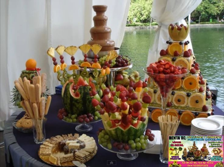 Mesa de fruta idea para fiestas pinterest summer for Mesas de bodas decoradas