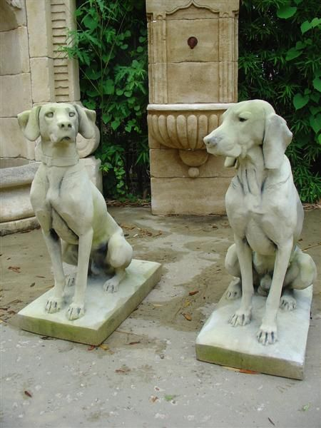 Pair of Hunting Dogs Statues WANT!!!  they look like our old weimaraners.  sniffle.