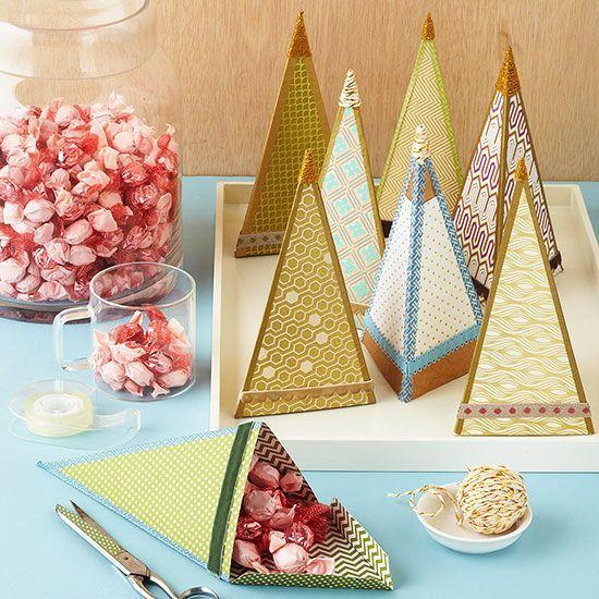 Alberi di Natale di carta tridimensionali con scompartimento per le caramelle