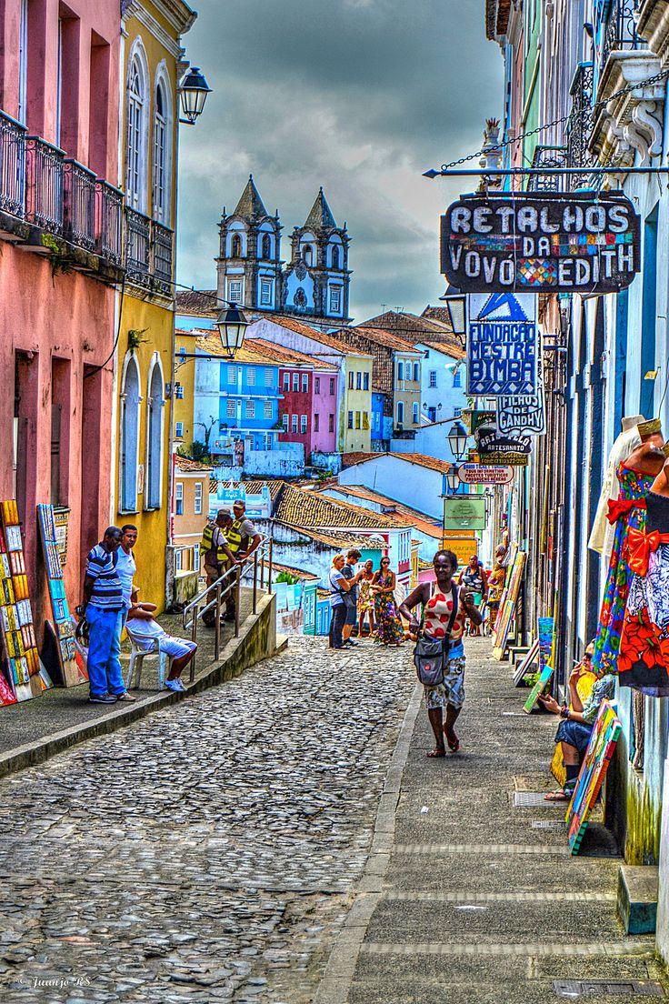 Caminando por el Pelourinho (Salvador) Bahía, Brasil.